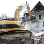 Демонтаж старого дома в СПб и ЛО