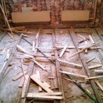Демонтаж деревянного пола в квартире